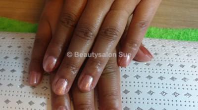 Beautysalon Sue – Bedrijfsfeest – nagels lakken