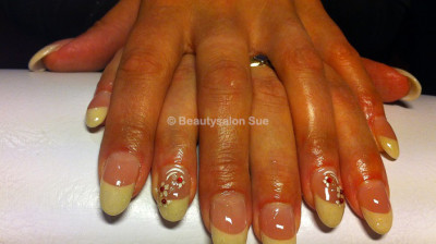 Beautysalon Sue – Bruidsnagels