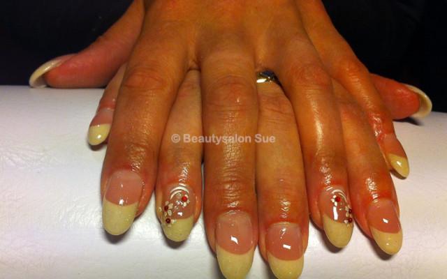 Gellak manicure in Den Haag Boek direct online!  Treatwell